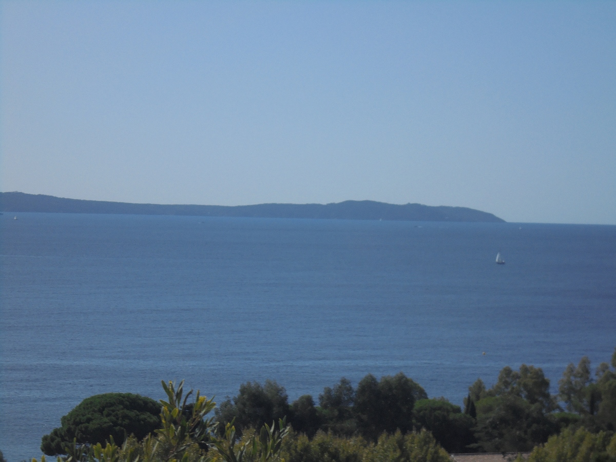 Exclusivité, villa vue mer à Aiguebelle